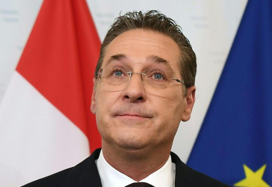 Ex-FPÖ-Chef und -Vizekanzler Heinz-Christian Strache steht ein Mandat im EU-Parlament zu. Die FPÖ versucht ihm auszureden, es anzunehmen.