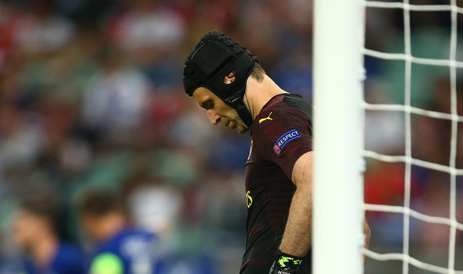 Mit hängendem Kopf trat Petr Cech von der großen Fußballbühne ab.