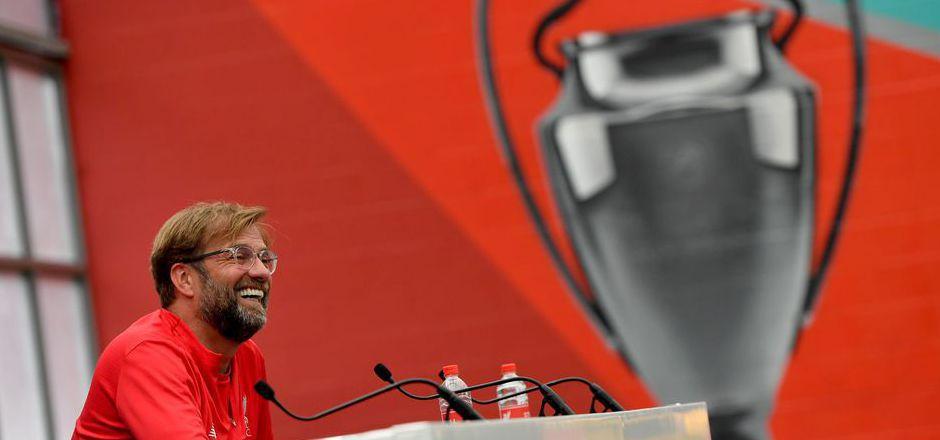 Der Champions-League-Pokal ist nicht nur von Liverpool-Trainer Jürgen Klopp die große Sehnsucht.