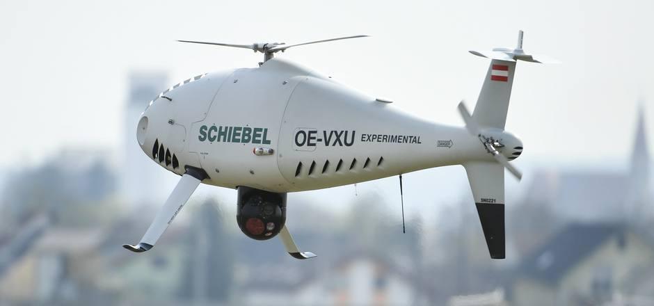 In Österreich stellt die Firma Schiebel Drohnen bzw. unbemannte Hubschrauber her.