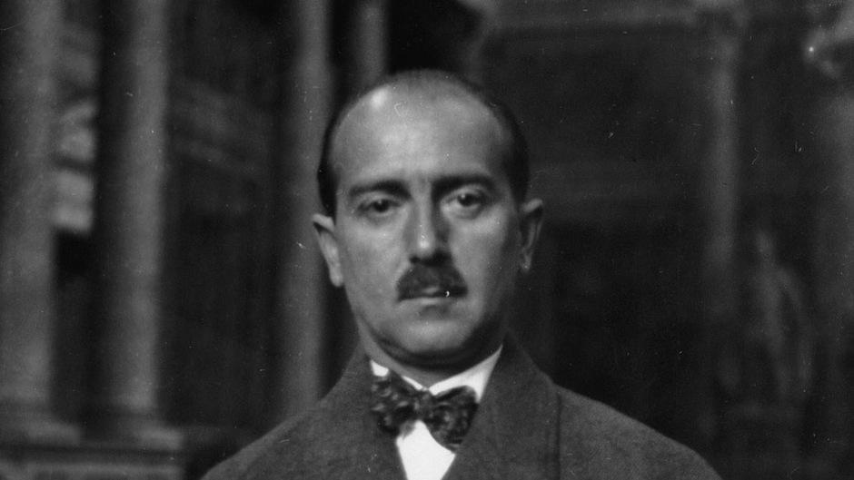 1940 emigrierte Hans Kelsen in die USA, wo er 1973 starb.