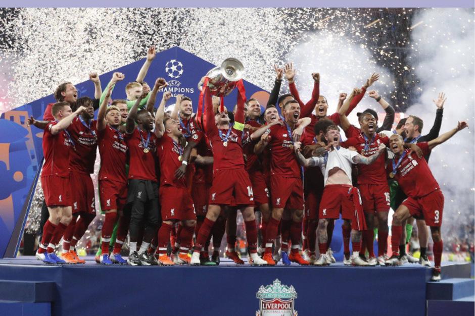 The Champions! Die Liverpool-Spieler jubeln über den Sieg im Endspiel der Fußball-Königsklasse.