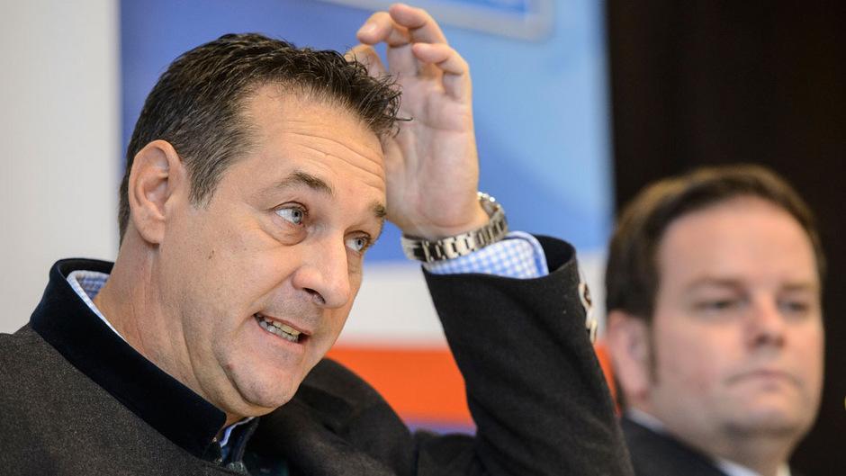 Der ehemalige FPÖ-Chef Heinz-Christian Strache (l.) könnte von seiner Partei ausgeschlossen werden.