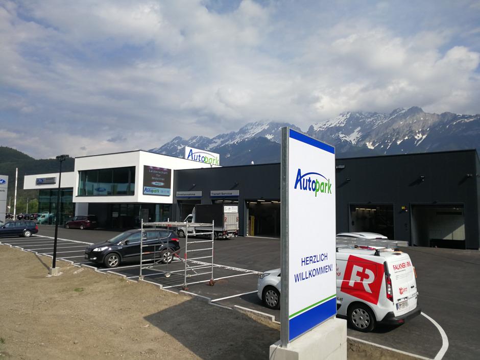 Eine Bereicherung im Gewerbegebiet in Pfaffenhofen: der gänzlich neue Autopark-Standort.
