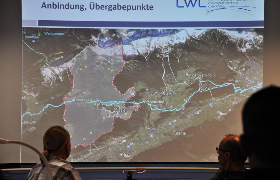 Die Förderanträge sind gestellt, die Beschlüsse gefasst, nun geht man am Plateau in die Detailplanungen für die Breitband-Leitungen über.