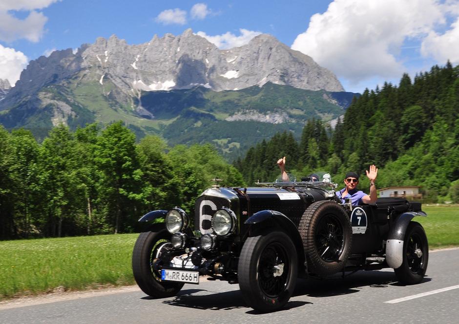 An die 170 Automobilklassiker sind ab heute in Kitzbühel.