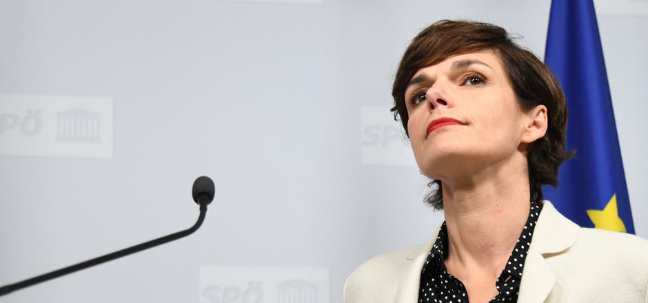 SPÖ-Vorsitzende Pamela Rendi-Wagner, die Gerüchteküche und die Parteizentrale als Wagenburg.