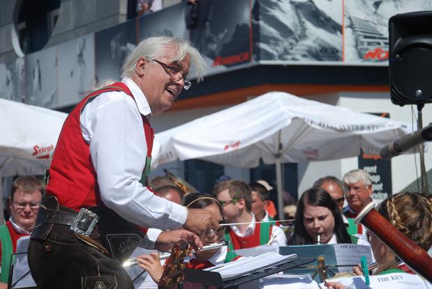 Welt-Kapellmeister Hermann Delago bringt am Samstag den Lansersee in Schwingung.