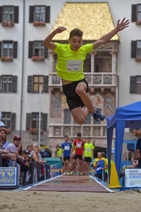 """Die Euregio-Schulmeisterschaft im Weitsprung als Teil der """"Golden Roof Challenge"""" startet bereits um 15.30 Uhr."""