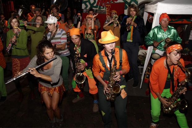 """Das erste Streetband Festival Innsbruck, organisiert vom """"StreetNoise Orchestra"""", geht von Freitag bis Montag über die Bühne."""