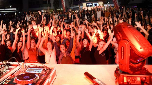 Das Kufstein Unlimited lockt von 14. bis 16. Juni wieder tausende Musikfans in die Festungsstadt.
