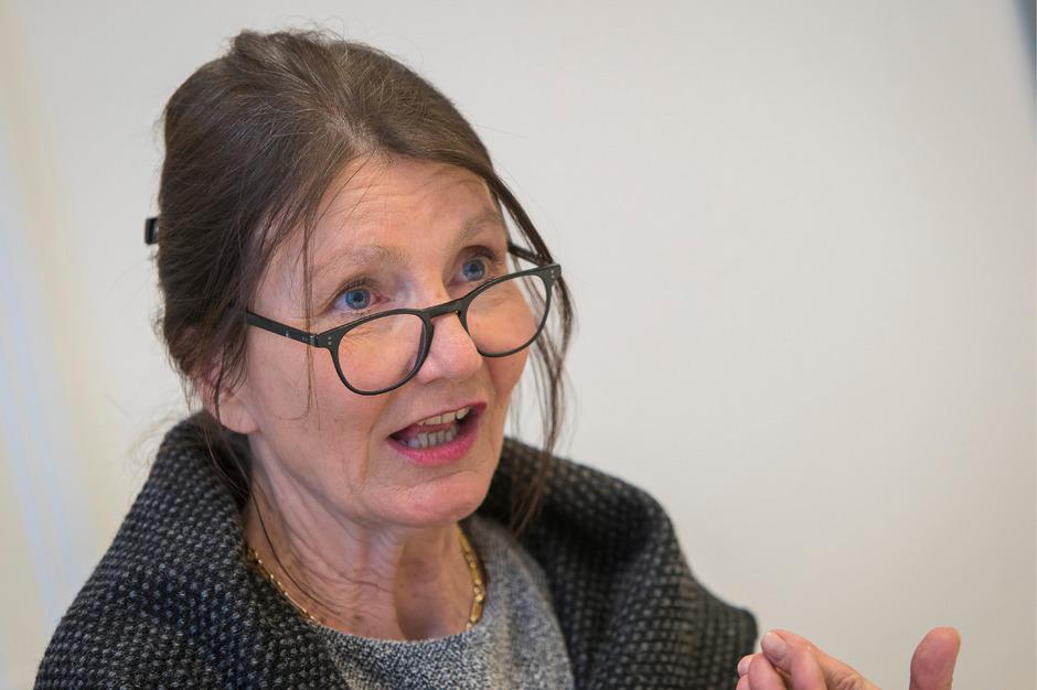 """""""Ich begrüße gesellschaftskritische Stimmen, die Innsbruck als Kulturpflaster noch besser machen."""" - Uschi Schwarzl (Grüne Stadträtin)."""