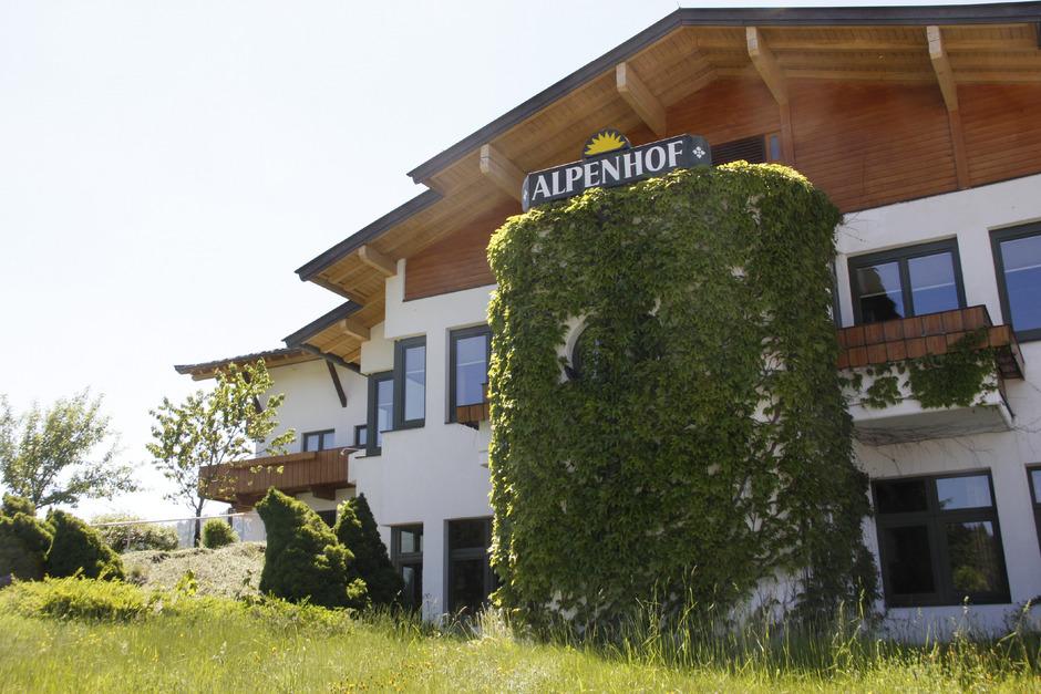 Die Zukunft des Alpenhof in Kirchberg ist weiterhin unklar und sorgt für Diskussionen.