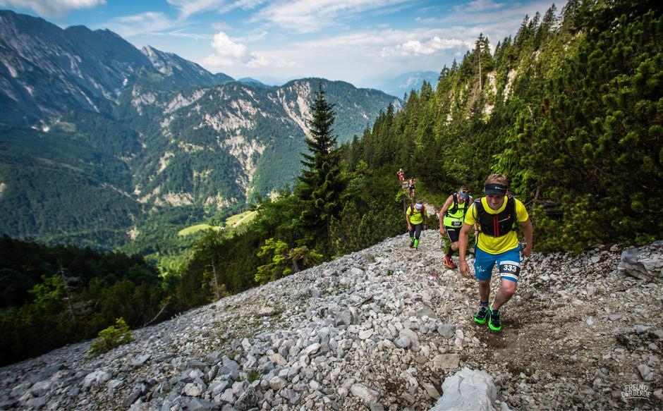 Der Koasamarsch zieht heuer zum 50. Mal Wanderer und Läufer in das imposante Kaisergebirge.