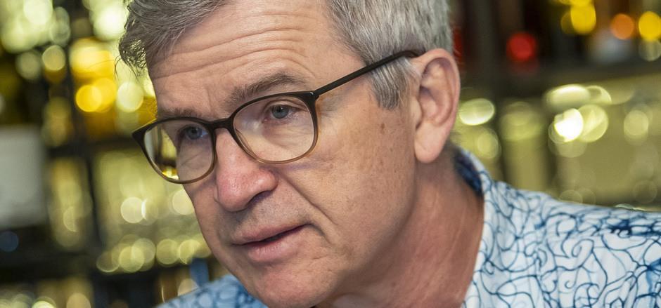 Ulrich Ladurner hat über zwanzig Jahre lang als Kriegsberichterstatter gearbeitet. Er ist auch Autor zahlreicher Bücher.
