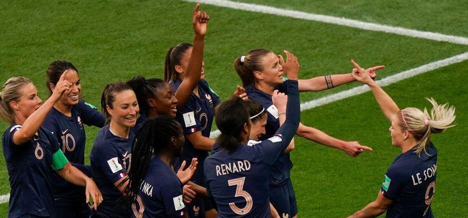 Frankreichs Frauen jubelten über einen geglückten WM-Start.
