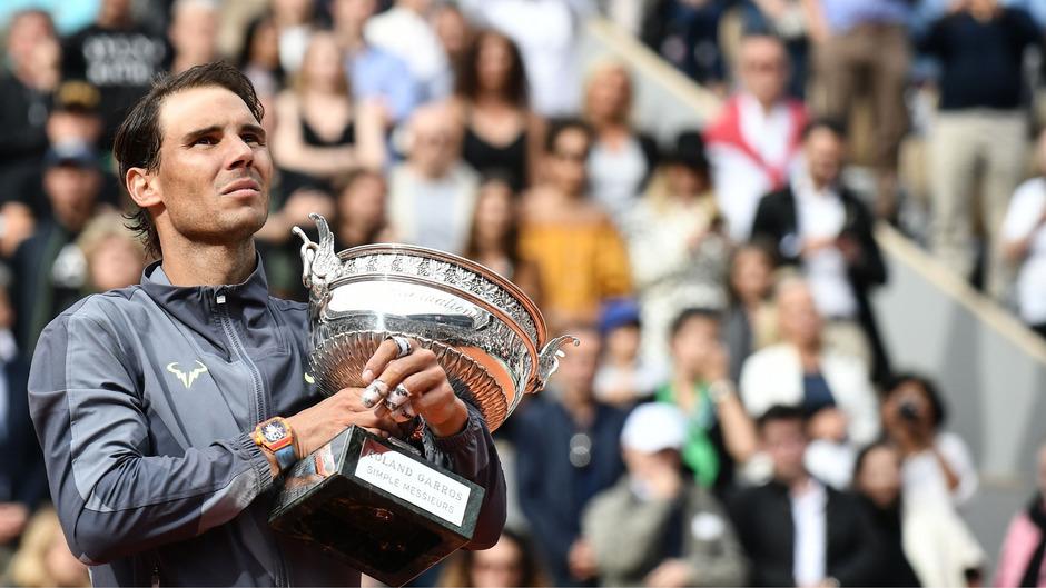 Nadal ist der erste Profi der Tennisgeschichte, der zwölf Mal bei ein und demselben Grand-Slam-Turnier gewonnen hat.