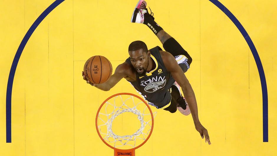 Kevin Durant hat sich an der rechten Achillessehne verletzt.