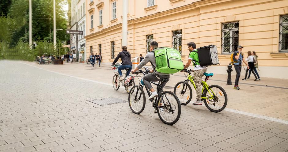 Für viele Studenten ist der Job als Radkurier zum Beispiel für Essen beliebt, da sie sich sportlich betätigen können.