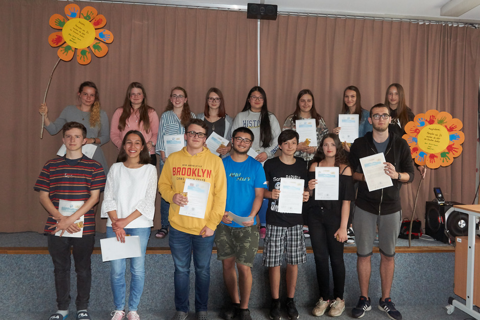 Bei der Abschlussfeier gab es für die engagierten Jugendlichen Zertifikate, auf die sie zu Recht stolz sein können.