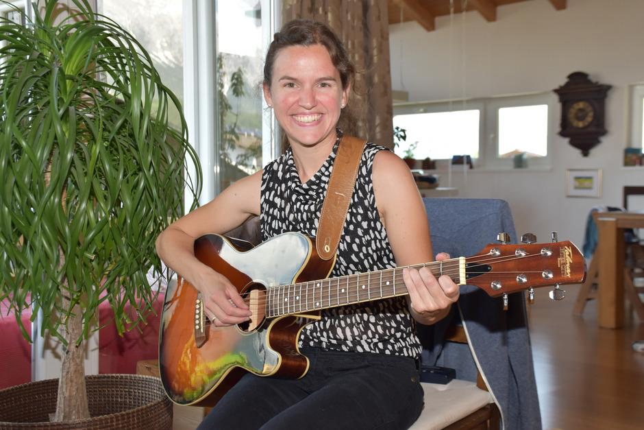 Die Musik begleitet Daniela Eisner schon ihr Leben lang. Am 22. Juni stellt sie in Kolsass ihre erste eigene CD vor.