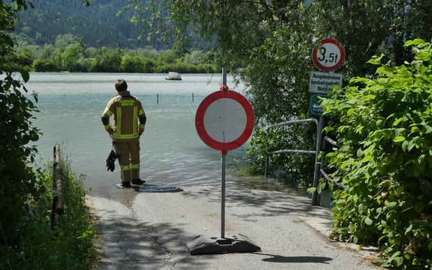 In Münster, a field was flooded - the fire department was in action.
