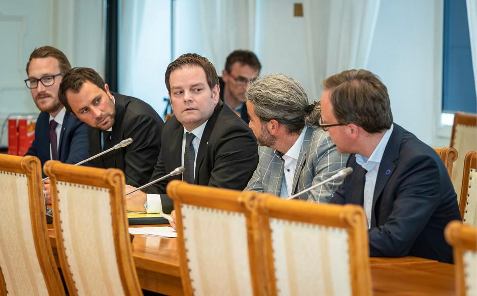 Opposition im U-Ausschuss: Georg Dornauer (SPÖ), Markus Abwerzger (FPÖ), Markus Sint (Liste Fritz), Dominik Oberhofer (NEOS, v.l.).