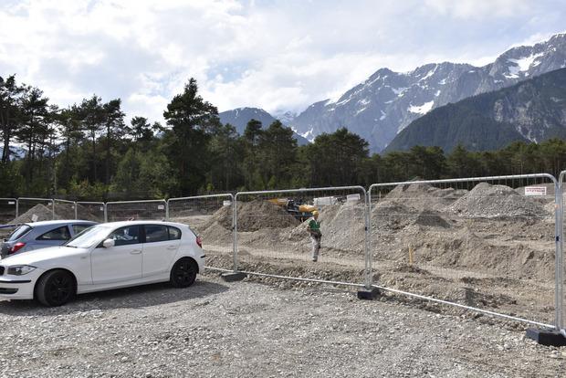 Darum werden die verpachteten Parkplätze derzeit etwas verlegt, erklärt der Dorfchef.