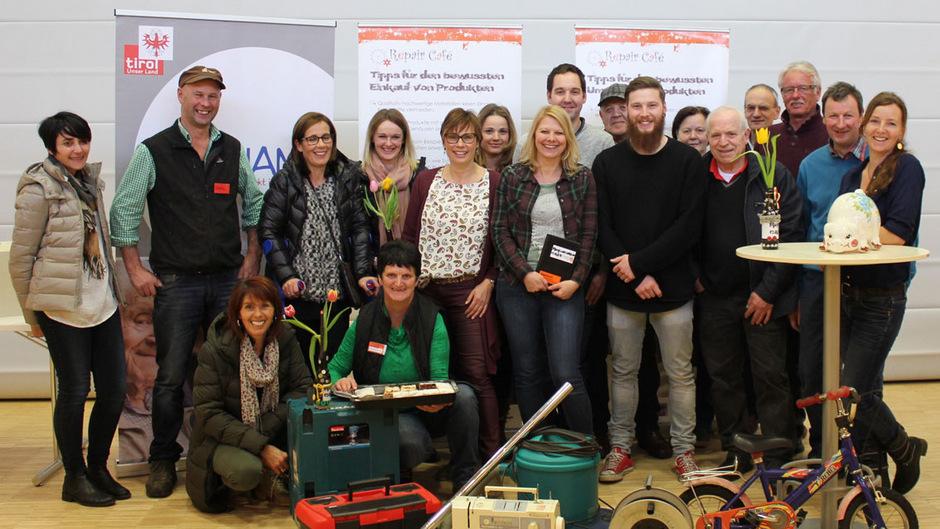 Rund zwanzig Fachleute zählen in Sillian zum Expertenteam der Repair Cafés und bieten ihre Leistungen ehrenamtlich an.