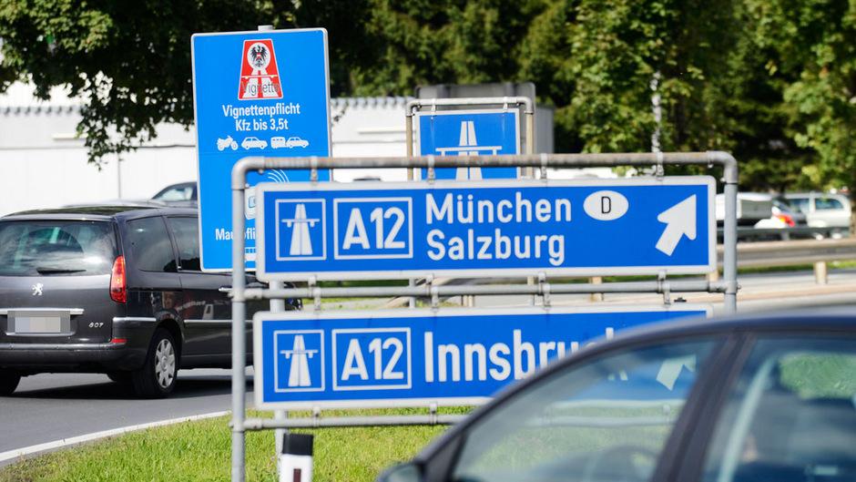 Die Vignettenpflicht auf der Autobahn zwischen Kufstein-Süd und der Staatsgrenze treibt viele Autofahrer auf die B171 und damit in den Kufsteiner Ortsteil Zell.