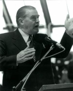 Der damalige Stadtchef Adolf Walch eröffnete 1974 die Städtische Galerie Theodor von Hörmann.