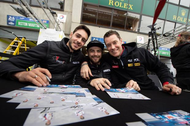 Der Tiroler René Binder (l.) startet mit seinen Teamkollegen Julien Canal (FRA/M.) und William Stevens (GBR) in Le Mans.