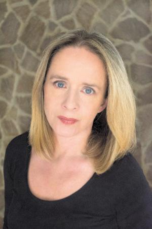 Petra Ramsauer ist seit 20 Jahren als Krisen- und Kriegsberichterstatterin tätig. Ramsauer hat mehrere Bücher veröffentlicht und erhielt den Concordia-Preis. Kontakt: mail@petraramsauer.com