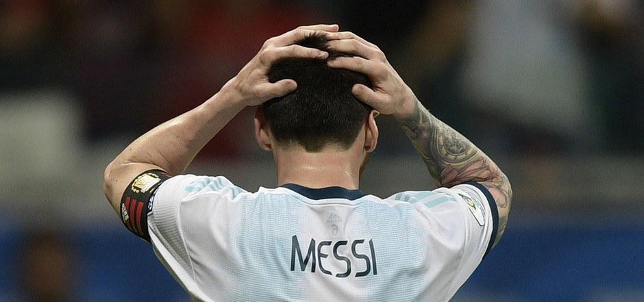 Für den argentinischen Weltstar Lionel Messi war es eine weitere Enttäuschung nach dem erfolglosen Auftritt bei der Fußball-WM in Russland im Vorjahr.