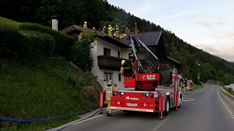 Im Bereich der Freileitung der Hauptstromzufuhr war Rauch entstanden.