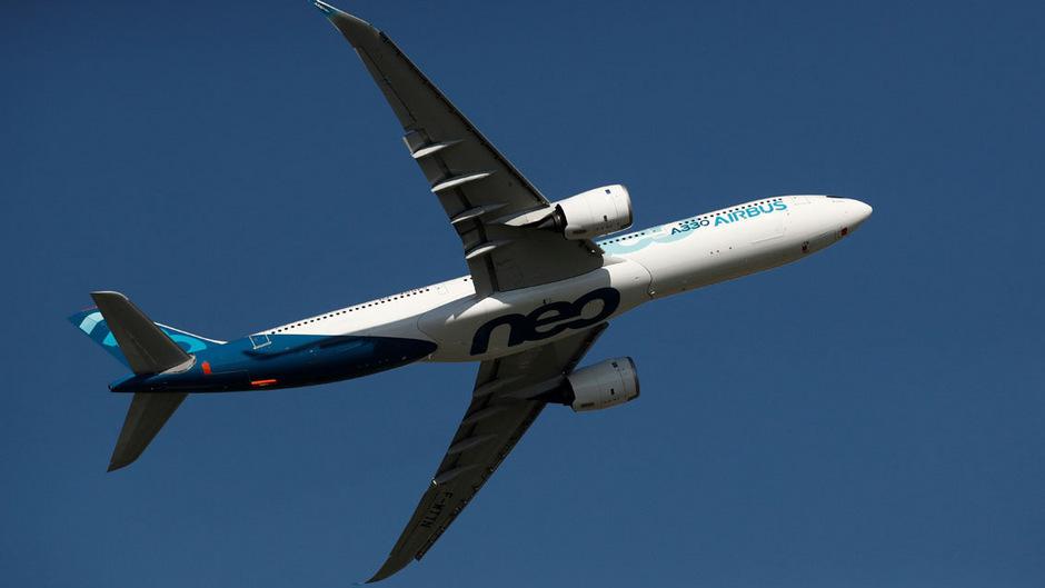 Ein Airbus A330neo bei der Paris Air Show. Der europäische Flugzeugbauer hat in Frankreich seine neuen Pläne vorgestellt.