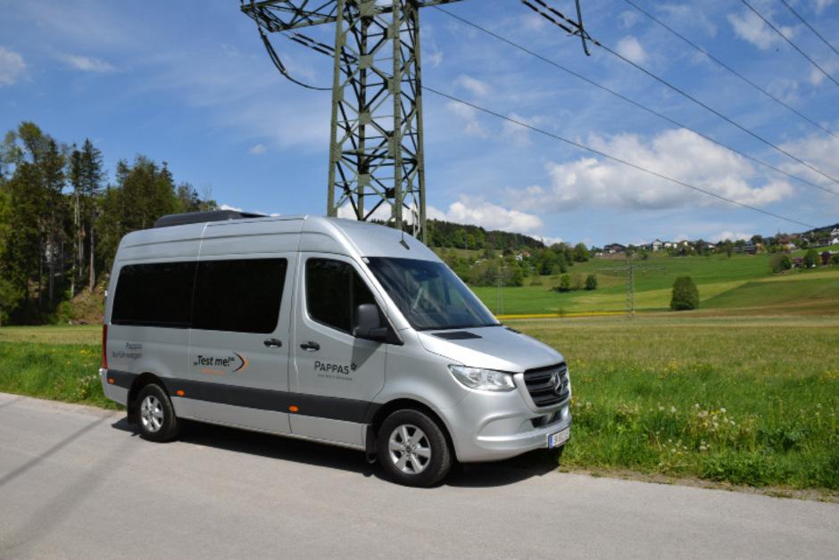 Über fast ein Drittel des Sprinter-Combi-Preises von 93.216,30 Euro freut sich das Finanzministerium.