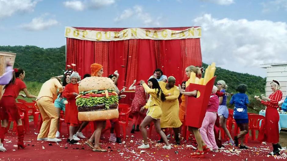 Wieder vereint: Katy Perry (l.) und Taylor Swift gemeinsam im Video.