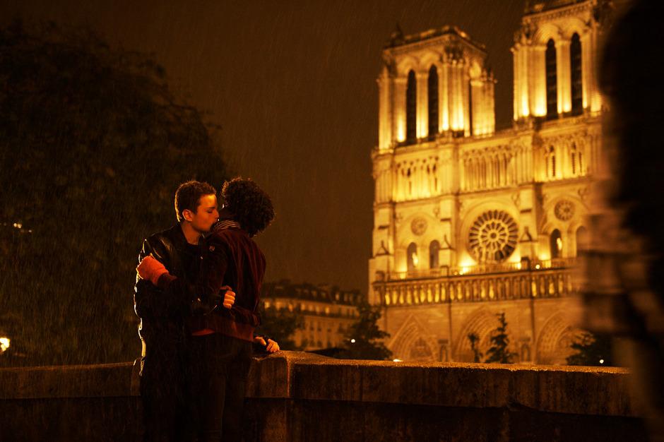 Zwischen Tonleitern bleibt dem Klavierspieler (Jules Benchetrit) Zeit für Romantik.