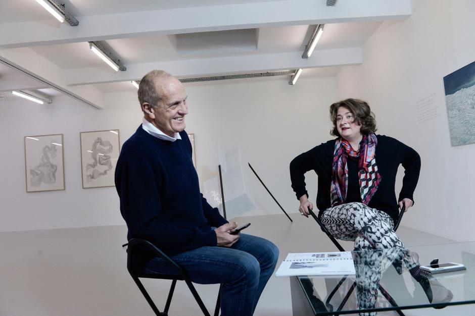 """Bei den Events anlässlich """"20 Jahre Kunstraum Innsbruck"""" 2015 war die Welt zwischen Lothar Tirala und Karin Pernegger noch in Ordnung."""