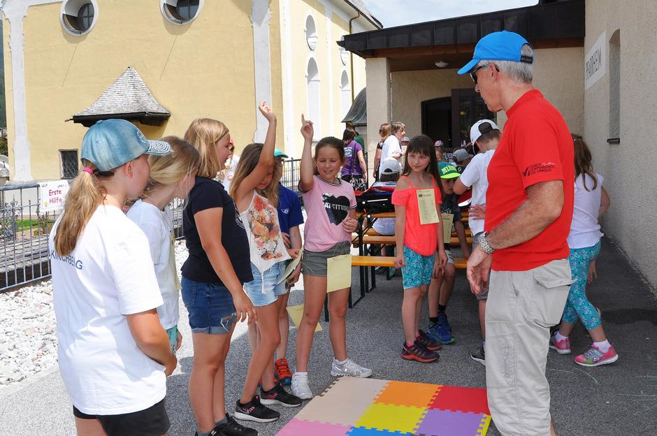 Über 200 Jungscharkinder, Ministranten und Ministrantinnen aus dem Bezirk Kitzbühel spielten für die gute Sache.