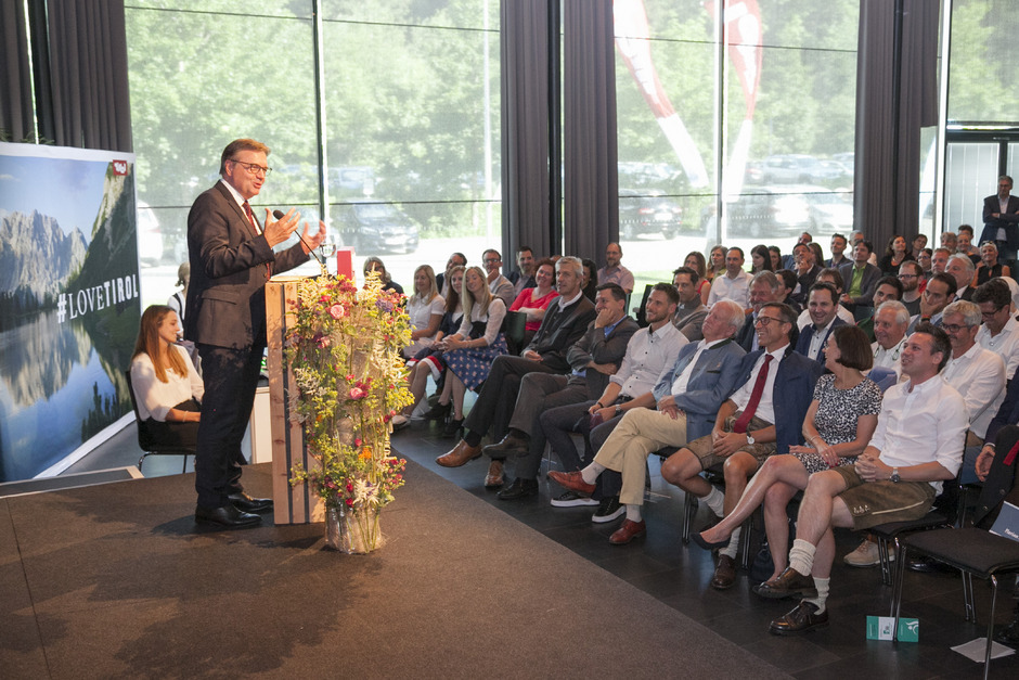 Landeshauptmann Günther Platter sprach vor den Touristikern beim Tourismusforum in Igls Klartext.