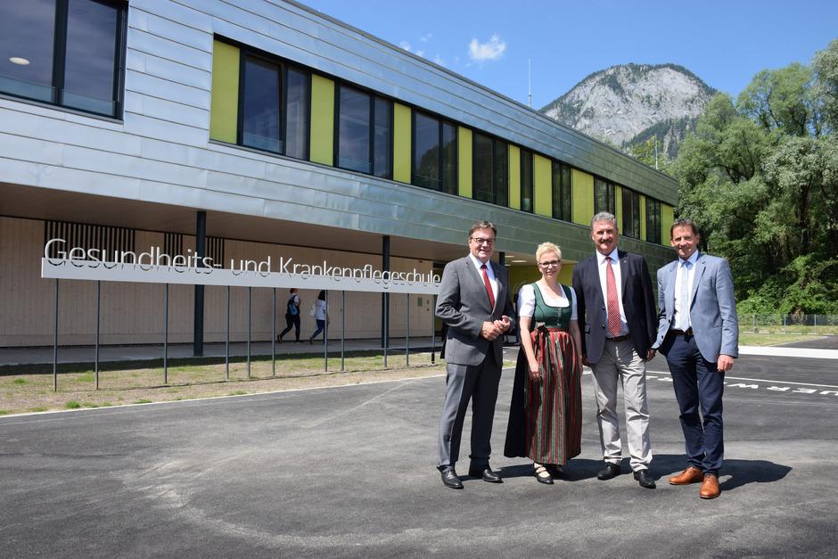 Bei der Eröffnung: (v.l.) LH Günther Platter, Dir. Claudia Schweiger sowie Verbandsobm. Rudi Puecher und Paul Sieberer.