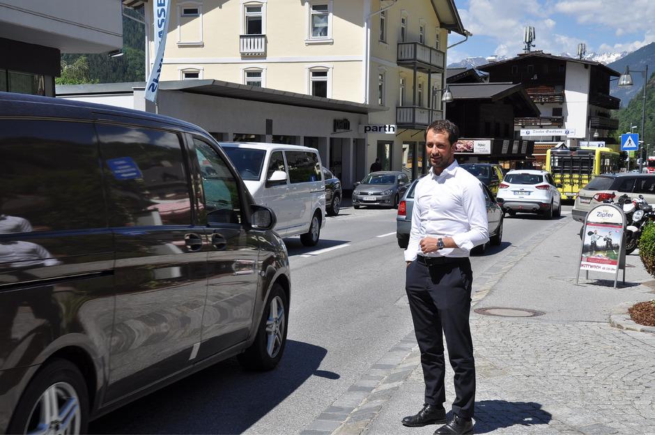 Georg Dornauer erwartet nach dem Gletscherzusammenschluss noch mehr Verkehr in Oetz.