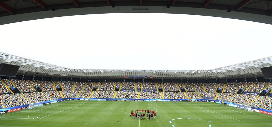 Polen hat heute in Bologna für eine Überraschung gesorgt, Spanien darf weiter auf das Halbfinale hoffen.