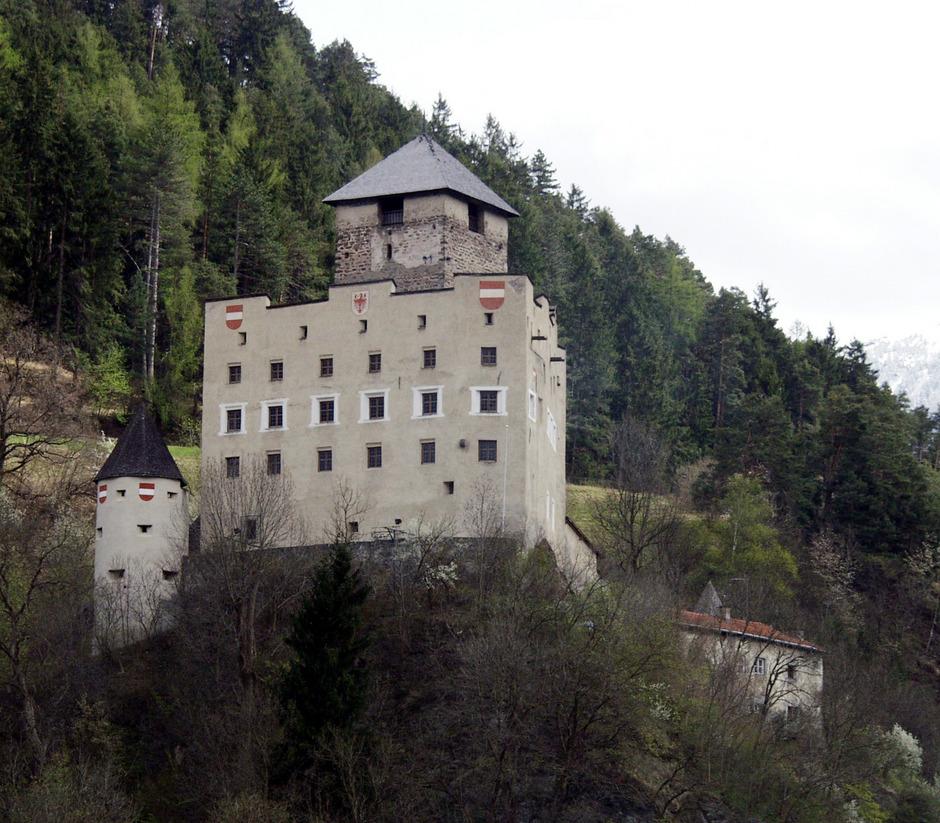 Schloss Landeck  und Altfinstermünz sind Schauplätze des Maximilian-Musiktheaters