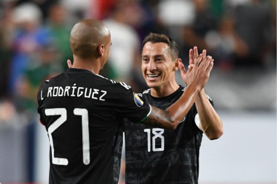 Die Mexikaner Luis Alfonso Rodriguez (l.) und Andres Guardado dürfen sich über den Aufstieg ins Viertelfinale freuen.