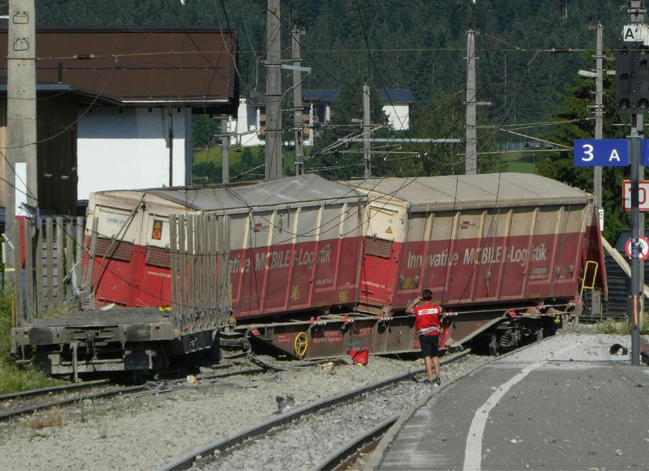 Im Bereich des Bahnhofs Kirchberg waren mehrere Waggons eines Güterzuges entgleist.