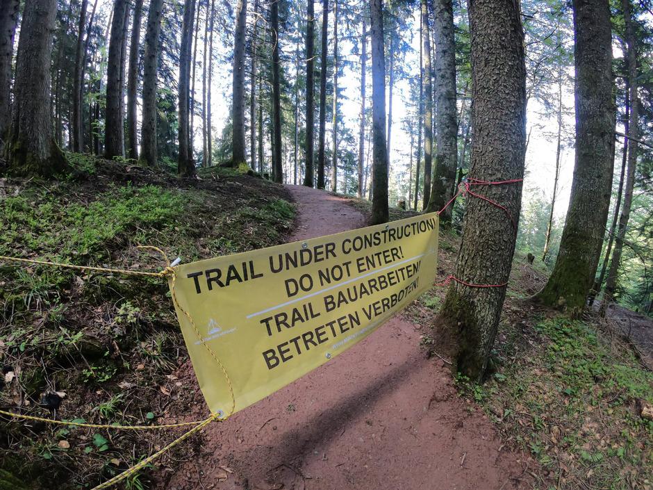 Der neue Trail vom Hahnenkamm wird langsam fertig und soll am 6. Juli offiziell eröffnet werden.
