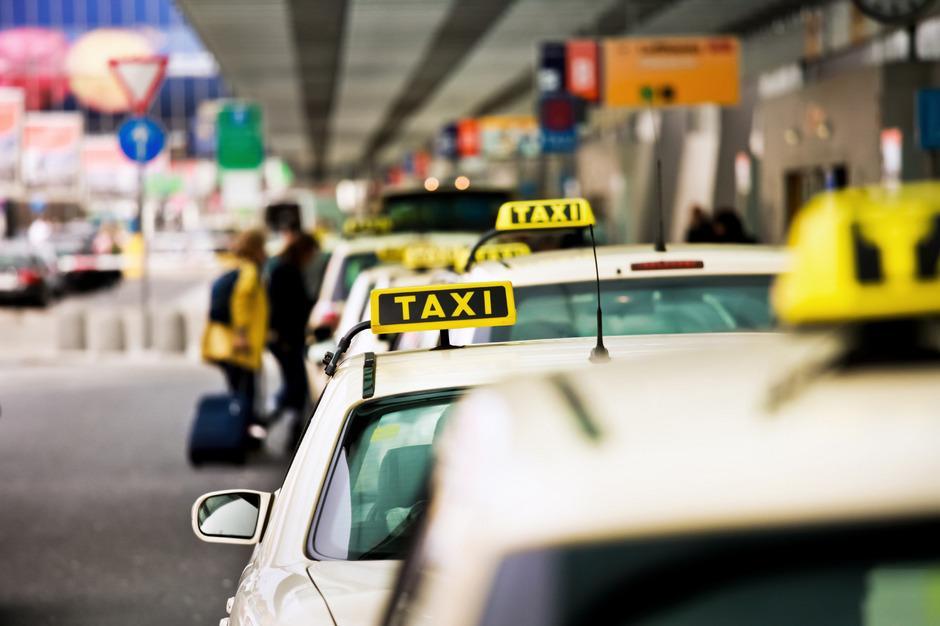 Die neuen Taxi-Preisregeln lösen heftige Kritik aus.
